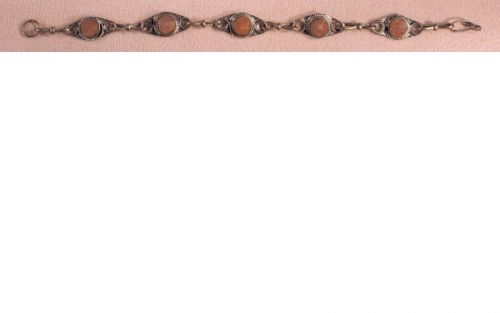 Small circle bracelet