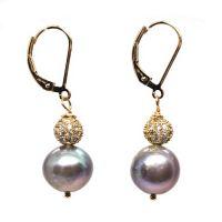 Luminous pearl earrings
