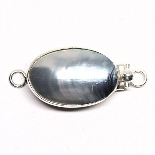 Large gray pearl clasp